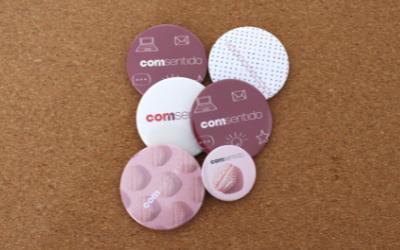 welcome-pack-chapas-feria-rosas-agencia-de-marketing_Comsentido