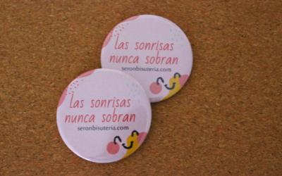 welcome-pack-chapas-rosas-ferias_Comsentido